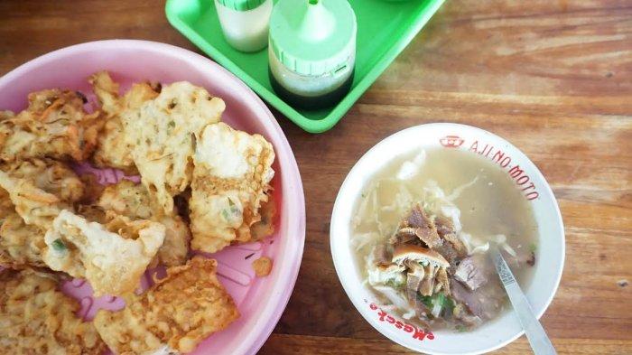 Sarapan Jogja – Kuah Bening Soto Babat Bu Mulyo, Makannya Pakai Babat Goreng Bacem