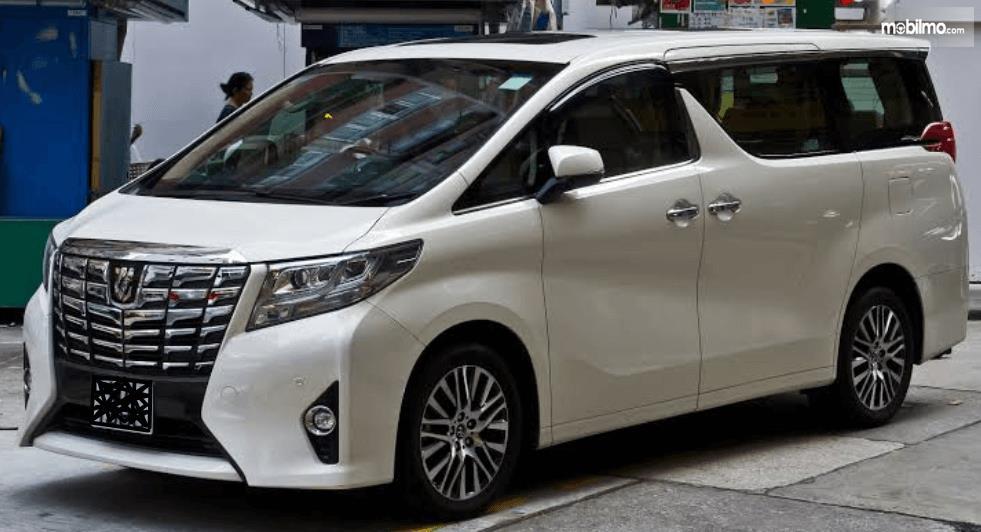 Rental Mobil Mewah Jogja, Terjangkau dan Terjamin